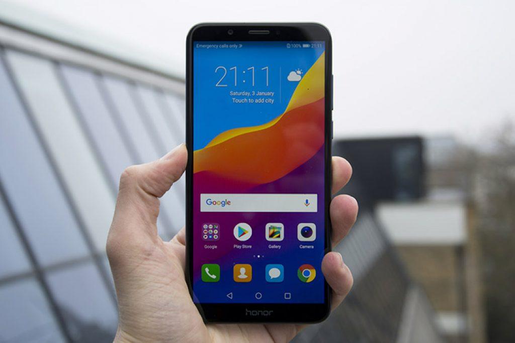 Điện thoại Honor 7C có thiết tràn viền ấn tượng